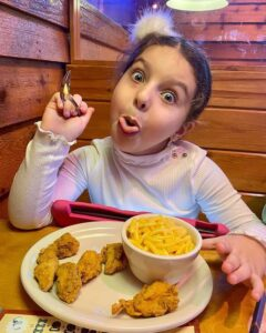 Texas Roadhouse drink and lunch menu